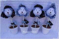 Flor Ursinho Marrom e Azul - Cláudia (Marias e Mimos) Tags: flordetecido ursosdetecido ursinhomarromeazul decoraçãomarromeazul lembrancinhamarromeazul tricicloemmdf carrodemãoemmdf