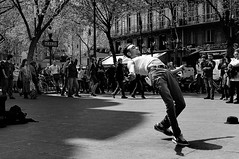Street dancer. (marcel JARRON) Tags: paris danse streetphoto rue artiste streetdancer photoderue contemporaine