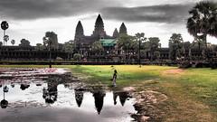 Angkor Wat Reflection (hydrojeno) Tags: reflections cambodia angkorwat siemreap cambogia kidplaying 5peaks