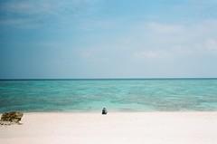 Emerald ocean (我的小風景) Tags: leica film japan kodak sunsetbeach m3 sho yoron hd200 与論島