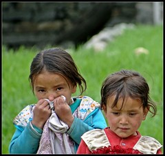 Grubby little girls at Turtuk (Indianature26) Tags: india april jk ladakh balti baltistan juley 2013 turtuk indianature julley baltivillage ethnicbalti