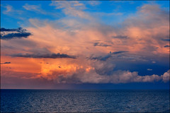 l'orizzonte (Luigi Alesi) Tags: light sea sky italy seascape colors clouds nikon italia raw nuvole mare cielo coolpix colori luce paesaggio abruzzo platinumheartaward p330 mygearandme mygearandmepremium
