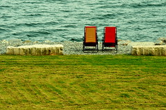 (sensommer) Tags: red sea orange coast pair fjords balestrand