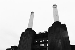 Battersea Power Station - FX-D/Open House 2013 (Cris Ward) Tags: street city uk travel shadow chimney blackandwhite bw black detail building brick slr london tower abandoned industry film tourism monochrome metal architecture contrast analog 35mm vintage silver mono lomo lomography rust industrial factory power britain decay steel grain ruin landmark monotone highlights event push analogue manual pushed battersea derelict openhouse yashica batterseapowerstation greyscale decommissioned pushprocessing yashicafxd lomographyuk ladygrey400 lomographyladygrey400 lomographyladygrey400blackwhite openhouselondon2013 opencitylondon2013