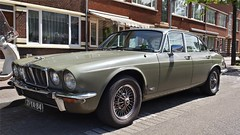 Jaguar XJ6 4.2 Series II (sjoerd.wijsman) Tags: auto holland green cars netherlands car sedan groen nederland thenetherlands vert voiture vehicle holanda jaguar autos grün saloon import paysbas berline olanda fahrzeug niederlande xj zuidholland xj6 jaguarxj6 carspotting berlina jaguarxj carspot stufenheck 13052015 21ya84 sidecode3