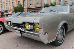 Olds 442 cabriolet (xwattez) Tags: auto old france car us automobile voiture american transports toulouse oldsmobile ancienne cabriolet 442 2015 décapotable véhicule rassemblement américaine
