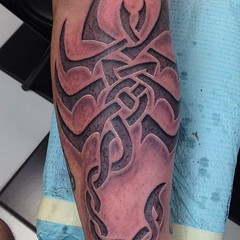 Celtic scorpion cutout? Sure!! #bnginksociety #blackandgreytattoo #blackandgrey #greywash #celtic #scorpion