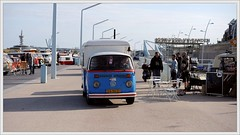Aircooled Scheveningen. (Ruud Onos) Tags: vw beetle forever beetles kever aircooled vdub classicvw vwbuses vwcampers sambabus spijlbus vwaircooled vwbuslover vwkever ruudonos aircooledscheveningen vdubscene dn9401