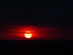 striped (Luana 0201) Tags: sun red round stripes