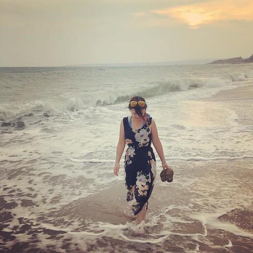 感覺要老套的說個 我在墾丁,天氣晴?#sunset #日落 #墾丁 #kenting #beach