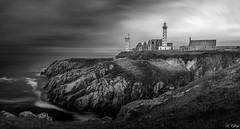 Pointe St Mathieu - Plougonvelin - Finistre (f.ray35) Tags: bleu phare bretagne france bzh ligthouse black white