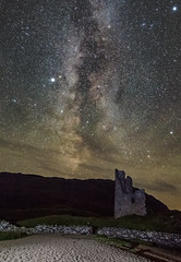 Milky Way over Ardvreck (f0rbe5) Tags: milkyway stars galaxy solarsystem planets venus saturn skyatnight sky night ardvreckcastle ardvreck castle ruinedcastle ruin ruined lochassynt loch water lake 1590 clanmcleod clan clanmackenzie rectangularshapedkeep keep threestoreys ruinedtower tower defensivewall defensive wall ghosts stone longexposure inchnadamph highlands sutherland scotland uk 2015 canoneos5dmarkiii canonef2470mmf28liiusm