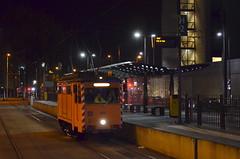 29.10.2016 (I); Poetsen in Utrecht (chriswesterduin) Tags: evag 652 sun sunij sneltramutrecht utrecht tram werktram strukton