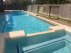 IMG_1017 (Backyard Amenities) Tags: 2016 blueplaster brickblend givens leaguecity mashy106 masbbm2 penciljets raisedwall raisedwallwithstripe rowssteptrim torreon travertinerollededge