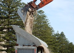 Claw of Sand (mikecogh) Tags: glenelg sandcarting claw load releasing dumping tray