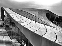 Station Arnhem / Curves and lines (jo.misere) Tags: station arnhem bw zw ns ngc er