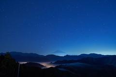 stars (peaceful-jp-scenery (busy)) Tags: mtfuji shimizu seaofclouds mist fog landscape mountain worldheritage           sony 99 a99m2 ilca99m2 amount sal24f20z distagont24mmf2zassm carlzeiss