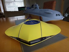 FLYING SUB AND SEAVIEW. (suki5150) Tags: gerryanderson vttbots irwinallen flyingsub seaview blakes7 space1999 eagletransporter silentrunning dewey huey louie drones destinymodels tardis doctorwho falke hasegawa buckrogersinthe25thcentury twiki gato revell miniature modelmaker vfx chrisrogerson thunderbirds wallaceandgromit ardman nickpark claymation