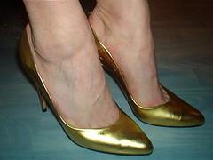e5ab (grandmacaon) Tags: pumps highheels stilettos lowcut talonsaiguille escarpins sexyheels hautstalons toescleavage