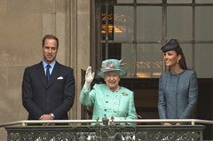 The Queen With The Duke and Duchess of Cambridge. (Fishfingers & Custard) Tags: nottingham uk england people sony flags cheer alpha hrh crowds royalty princewilliam majesty queenelizabeth marketsquare bunting 20000 alphamale slabsquare royalvisit allrightsreserved katemiddleton balcolny e11r fishfingerscustard a300700 allrightsreservedworldwidepleasedonotuseanyofmyimageswithoutaskingformypermission dukeandduchessofcambridge diamondjubileecelebration2012
