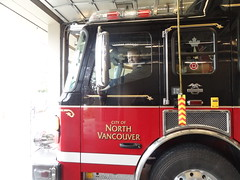 Sitting in North Vancouver City Engine 9 (Vancouver Firebuff) Tags: city vancouver hub fire eagle north alf american department e9 lafrance engine9 nvcfd
