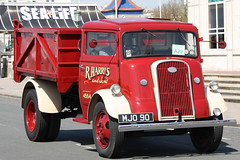 Fordson 7V Tipper R.Harris and Sons MJO90 (Not that grumpy) Tags: tipper r harris sons fordson 7v historiccommercialvehiclesociety mjo90 52ndlondontobrightonrun