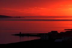 Sólsetur! (Helga Haraldsdóttir) Tags: sunset red lighthouse silhouette island iceland colorful heaven horizon rautt himinn viti sjóndeildarhringur sólsetur skuggamynd litrík helgaharalds helgahar helgaharaldsdottir canoneosrebelt4i650d takenonjune52013