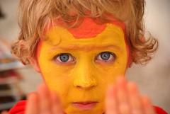 Garon maquill. (didier sibourg1) Tags: jaune eyes expression yeux enfant visage garon fujis3pro