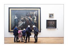 La leon d'histoire. (Scubaba) Tags: france museum couleurs north muse visitors lapiscine nord gens marat roubaix visiteurs