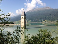 "Turm im Reschensee • <a style=""font-size:0.8em;"" href=""http://www.flickr.com/photos/34302078@N02/9304408015/"" target=""_blank"">View on Flickr</a>"