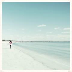 Dom som gr kommer ej tillbaks (Marie EG) Tags: ocean people beach water skne spring sweden d3000