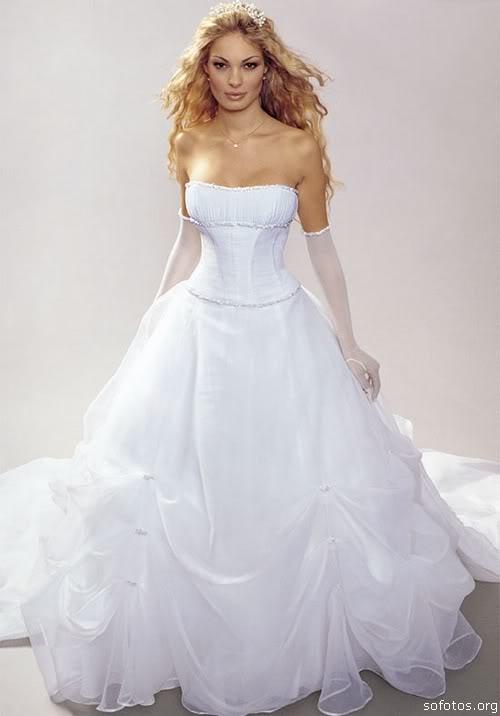Vestido de noiva tomara que caia elegante