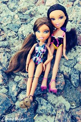 Advertise of swimwear (Doll Ellie) Tags: summer dolls yasmin bratz bratzworld yasminsroom yasminshouse bratzparty advertiseofswimwear