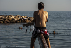 palo della cuccagna a civitavecchia (Simone Cervarelli) Tags: sea italy reflex nikon italia mare august agosto civitavecchia 2013 d3000