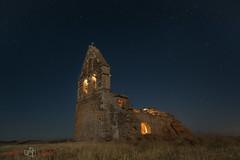 Apaga la luz y a dormir... (LANTADA) Tags: iglesia nocturna estampitas sotillo lantada