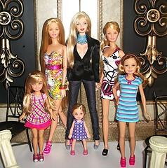 Mothers and Daughters - Pt. 2 (Dia 777) Tags: stacie barbie skipper blonde kelly mothersanddaughters blondeambition teenskipper generationgirl jeffgordonnascar pajamafunskipper dia777 fashionpartyteenskipper