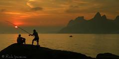 Rio de Janeiro - Lembranas de Um Por do Sol em Ipanema (.**rickipanema**.) Tags: pordosol brazil sol rio brasil riodejaneiro fisherman praiadeipanema ipanema pescador arpoador pescadores entardecer doisirmos pedrabonita morrodoisirmos ipanemabeach pedradagavea vidigal pedrasdoarpoador arpoadorbeach riodejaneirocidademaravilhosa sunsetinrio sunsetinipanema brazil2014 brasil2014 rio2016 sunsetinriodejaneiro pordosolemipanema sunsetinipanemabeach pescadoresdoriodejaneiro pescandonorio fishinginrio sunsetinarpoador pordosolnaspedrasdoarpoador pescandonoriodejaneiro rio2014 opordosoleopescadornoriodejaneiro
