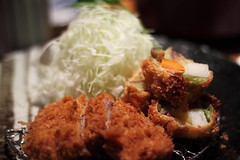 Day 2 - 高麗菜小山 + 超厚切豬排 @ 名代豬排