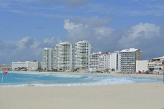 "Cancun Beach • <a style=""font-size:0.8em;"" href=""http://www.flickr.com/photos/36070478@N08/10255604874/"" target=""_blank"">View on Flickr</a>"