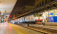 632.038 (atropo8) Tags: italy night train lens nikon long exposure shot zug bologna treno f28 emiliaromagna centrale trenitalia 2470mm d610 632038