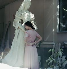 (H o l u n d e r) Tags: light sculpture girl fashion statue analog vintage kodak hasselblad 400 portra 503cx