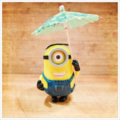 Day 286 - Storm's a-brewin'.... (Free 2 Be) Tags: dailyphoto minion postaday 365 project365 stuart photoaday parasol weather 116photosin2016