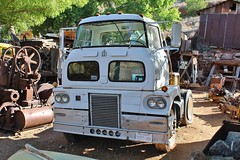 Gold King Mine & Ghost Town (USautos98) Tags: international sightliner tractortrailer truck coe cabover