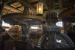 Inside a windmill - AMSTERDAM (INSAX) Tags: amsterdam windmill molino engranaje mecanismo