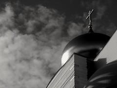 Église othodoxe à Paris.. Othodox church in Paris... (alainpere407) Tags: alainpere parisnoiretblanc streetsofparis parisinsolite candidpictureinparis egliseothodoxe orthodoxchurch centreculturelorthodoxerusse saariysqualitypicturesgallery blackdiamond