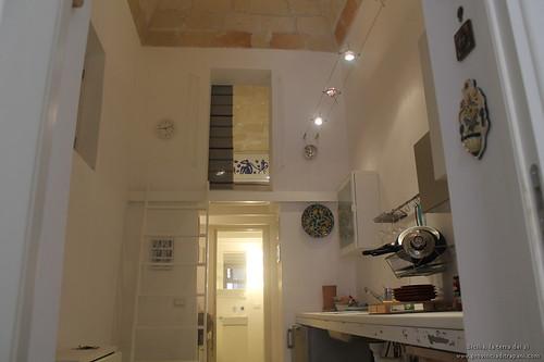 Trapani_Sicilia_occidentale_appartamento_La_Concoide_cucina_ingresso_camera_vacanze_affitto_turismo