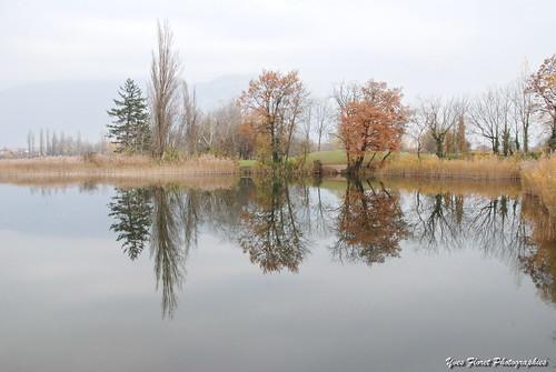 Miroir d'automne en Savoie.
