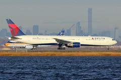 N834MH   Boeing 767-432ER   Delta Air Lines (cv880m) Tags: newyork kennedy jfk kjfk bayswater n834mh boeing 767 764 767400 767432 dal delta deltaairlines