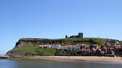 16924 whitby yorkshire england (melbettsimages) Tags: coast yorkshire uk england sea land whitby sun sand