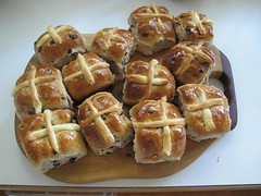 A lovely bunch of Hot Cross Buns for Easter (spelio) Tags: home cooking kids easter mar baking oven board favorites australia snack cutting favourites april served favs 2012 hotcrossbuns australiancapitalterritory 14views210512nowinblogcalender2013